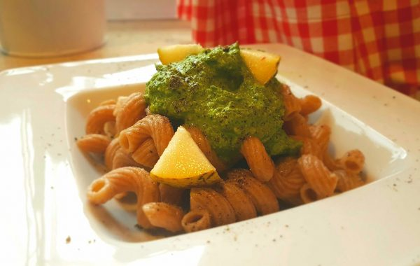 Vollkornnudeln mit Rucola – Spinat Pesto