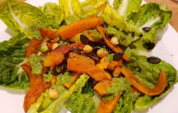 """Salat: Kürbis auf Blattsalat – """"Bett"""" :)"""